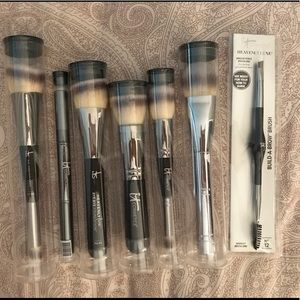 it Cosmetics new! Set of 7 makeup brushes